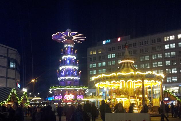 Weihnachtsmarkt Berlin Offen.Weihnachtsmarkt Am Alexanderplatz In Berlin Mitte