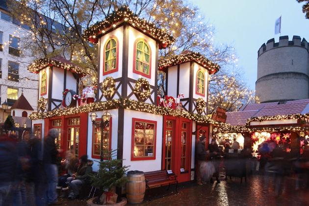 öffnungszeiten Weihnachtsmarkt Köln.Nikolausdorf Auf Dem Rudolfplatz In Köln