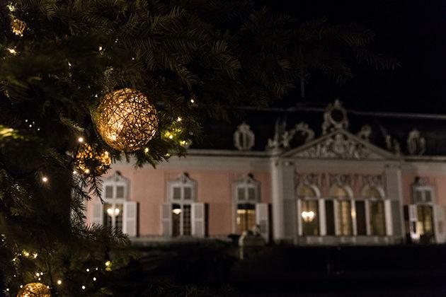 Weihnachtsmarkt Düsseldorf Eröffnung.Weihnachtsmarkt Auf Schloss Benrath In Düsseldorf 2019