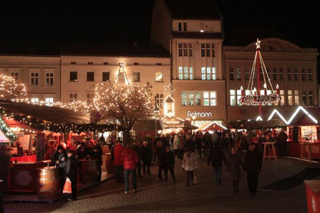 Beginn Weihnachtsmarkt Berlin 2019.Weihnachtsmarkt In Berlin Spandau